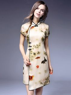 Floral Mulberry Silk Qipao / Cheongsam Dress with Wrap Front 1 Ao Dai, China Mode, Cheongsam Modern, Cheongsam Dress, Batik Dress, Oriental Fashion, China Fashion, Women's Fashion, Traditional Dresses