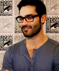 Supergirl: If Tyler Hoechlin's Superman Doesn't Have a Beard, We All Lose