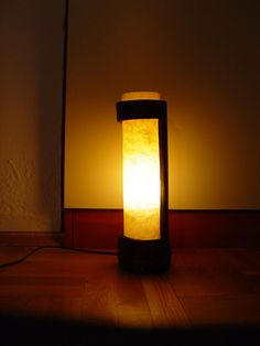 Handmade designer bamboo lamps and accessories for interior decoration » Bamboo table lamp N0028