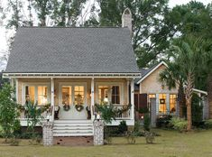 curb appeal design exterior tropical with grass traditional outdoor rocking chairs http://www.allisonramseyarchitect.com