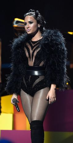 Demi Lovato is inspiring us to go goth for Halloween this year.