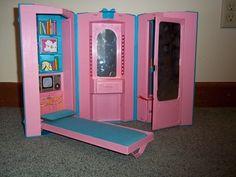 1980's Barbie Office and Apartment. My cousins had one of these and I was jealous!
