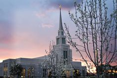 """""""As we turn to our Heavenly Father and seek His wisdom regarding the things that matter most, we learn over and over again the importance of four key relationships: with our God, with our families, with our fellowman, and with ourselves."""" #PresUchtdorf #templetuesday #thegilavalleytemple #JesusChrist #family #lds #mormon #christian #sharegoodness #stdavidstake Photo by David Palmer"""