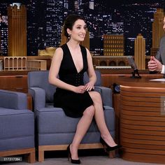 Actress Zoe Lister-Jones wearing the Soebedar 'Kim' Pump in Black Suede to 'The Tonight Show' Starring Jimmy Fallon in New York City  #nyc #jimmyfallon #zoelisterjones #soebedar #pump #thetonightshow