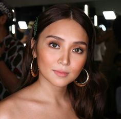 Filipina Actress, Cant Help Falling In Love, Kathryn Bernardo, Beautiful Inside And Out, Asian Beauty, Makeup Looks, Stylists, Actresses, Hair Styles
