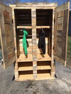 no-cost wooden pallet closet and shoes rack