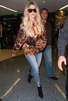 Airport Chic: Khloe Kardashian - Stylish Starlets
