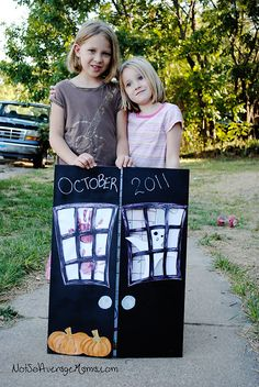 How to Make a Spooky October Calendar!