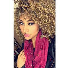 Her eyes, her lips and her curls ❤ ❤ ❤ @labarbie1988  #curlkit #naturalhair #teamnatural_ #naturalhairdoescare #mynaturalhair #urbanhairpost #luvyourmane #naturalhairmojo #naturalherstory #myhaircrush #naturalhaircommunity #naturalhairdaily #usnaturals #naturalhairstyles #naturallyshesdope #curlswithlove #amazingnaturalhair #trialsntresses #curlsaunaturel #curlsunderstood #amatusrioz #yoamomipajon #uknaturals