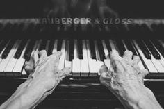 Piano, fotografía en blanco y negro
