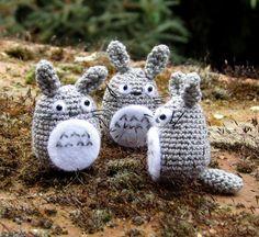 amigurumi miniature Totoro by Sara from F'Moush