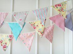 New Shabby Chic Bunting Fabric Banners Wedding par BerryAlaMode