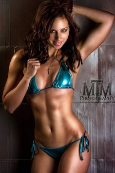 Leah Walczak - Fitness model and Personal Trainer