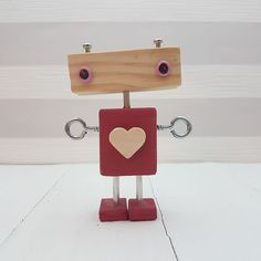 Original wooden robot made by mad … Wood Crafts, Diy And Crafts, Crafts For Kids, Cadre Photo Original, Woodworking Shop, Woodworking Projects, Diy Holz, Wood Toys, Wood Art