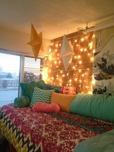 Temple University Dorm Room #lighting #exposedbrick #cozy #colorful #dorm  #templeuniversity Part 68