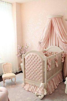 prensesler icin pembe bebek odasi