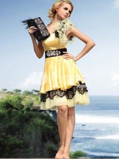 pretty yellow and black! (A Hufflepuff formal dress!)
