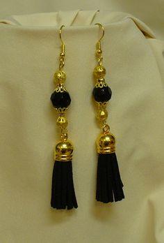 """""""Királynő"""" fülbevaló * Earring """"Queen"""" Tassel Necklace, Queen, Drop Earrings, Jewelry, Fashion, Jewerly, Moda, Jewlery, Fashion Styles"""