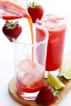Strawberry Margaritas // via Gimme Some Oven
