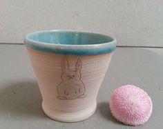 Becher & Tassen - Keramik Becher Hase Ostern - ein Designerstück von art-mate bei DaWanda
