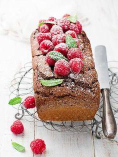 Cake au chocolat et aux framboises : Recette de Cake au chocolat et aux framboises - Marmiton