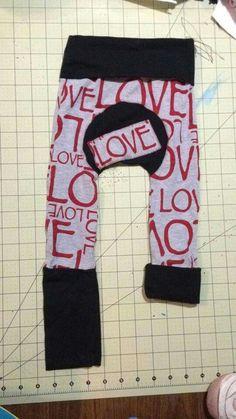 OTRBS Auction Love w/blk bands sz 1 6m-3yrs Maxaloones