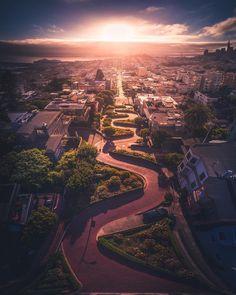 Lombard St San Francisco by @mmeyers76 #sanfrancisco #sf #bayarea #alwayssf #goldengatebridge #goldengate #alcatraz #california