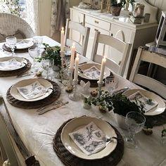 Buon pomeriggio…  Anna è moglie , mamma e nonna e abita in una bellissima casa in Svezia, arredata e decorata da lei in stile shabby …   ...