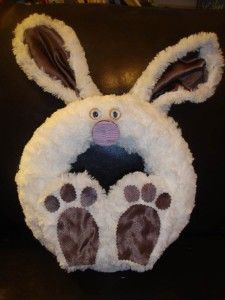I don't decorate for the holidays anymore but something tells me my mom would love this.  Bunny wreath