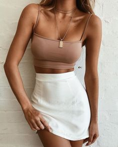 ideas moda verano casual outfits crop tops for 2019 Spring Outfits, Trendy Outfits, Fashion Outfits, Womens Fashion, Fashion Trends, Classic Outfits, Ladies Fashion, Fashion News, Fashion Inspiration