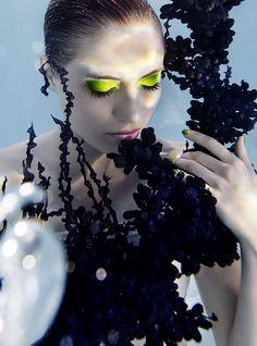Pièce d'épaule Tzuri Gueta - silicone et textile - Photo : Susanne Stemmer