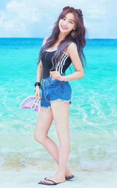Nayeon, Kpop Girl Groups, Korean Girl Groups, Kpop Girls, J Pop, Asian Woman, Asian Girl, Park Ji Soo, Jihyo Twice