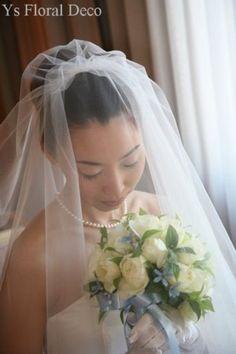 カップ咲のバラブーケ ブルースターと共に 帝国ホテル挙式の新婦さんへ