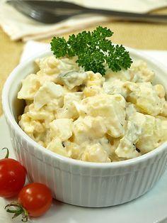 Sałatka ziemniaczana doskonała na śniadanie lub kolację Salad Recipes, Healthy Recipes, Design Food, Appetizer Salads, Slow Food, Special Recipes, Potato Salad, Food And Drink, Healthy Eating