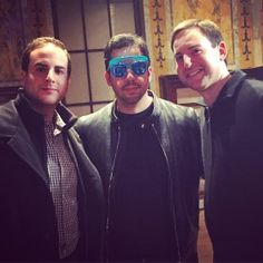 Magician David Blaine in novelty sunglasses. Visor sunglasses that are black light uv reactive. Great for concerts, parties, the beach, etc. $1 for each pair sold goes to brain cancer research
