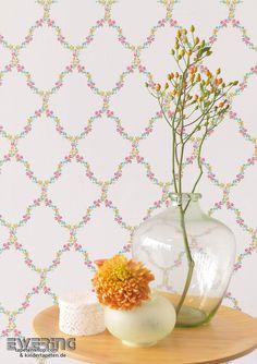 Rasch Textil Petite Fleur 3 02 Verleihen Sie dem Flur mit diesen Blumen-Karos einen modernen Landhaus-Chic.