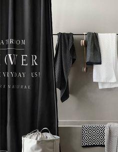Den nemmeste måde at give dit badeværelse et nyt look på er med et nyt  badeforhæng. Bathroom StylingCool Shower CurtainsShower ... 54dc197aa5015