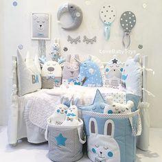 Спасибо всем, мои хорошие, кто отметился в прошлом посте Спасибо за ваши уютные истории У нас самые лучшие покупатели✊А на этом фото коллекция Маленький принц для мальчиков Смотрите, как можно оформить пространство для малыша с помощью наших аксессуаров☺️ Волшебные бэбитойсики, постельное белье, игрушки, мобили и другие нужности представлены на Lovebabytoys.ru Наш товар сертифицирован На фото набор бортиков из 6 предметов за 6350р, плюшевый пледик с рюшей 3500р, корзины за 1500р