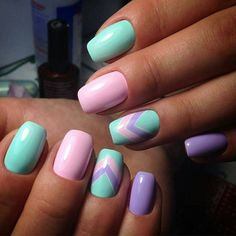 There are three kinds of fake nails which all come from the family of plastics. Acrylic nails are a liquid and powder mix. They are mixed in front of you and then they are brushed onto your nails and shaped. These nails are air dried. Winter Nail Designs, Best Nail Art Designs, Beautiful Nail Designs, Spring Nail Art, Spring Nails, Summer Nails, Pretty Nails For Summer, Fall Nails, Special Nails