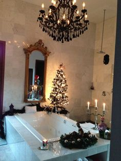 Baño con decoraciónes navideñas