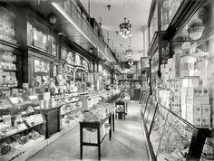 "New York circa 1910-1915. ""N.Y. Drug Store, Pennsylvania Station."" 8x10 inch dry plate glass negative, Detroit Publishing Company."