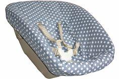 Stokke Newborn Bezug, grau mit weißen Punkten.  Zu bestellen bei www.ukje.nl