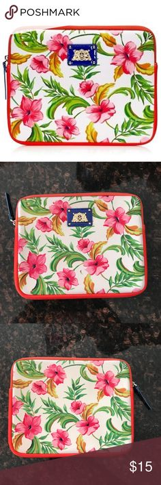 [juicy couture] ipad 3rd generation sleeve Used a handful of times, excellent condition. Juicy Couture iPpad 3rd generation case🌺 Juicy Couture Accessories Tablet Cases