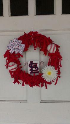 St. Louis Cardinals wreath #STL #STLcardinals #wreath #diy