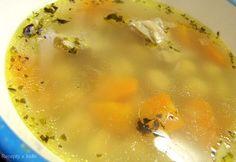 Kuracia polievka s cícerom / Chicken soup with chickpeas Chicken Soup, Chickpeas, Cheeseburger Chowder, Indie, Food, Chic Peas, Essen, Meals, Yemek