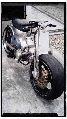Honda Street Cub custom with fat racing slicks Custom Moped, Custom Motorcycles, Custom Bikes, Cars And Motorcycles, Honda Cub, Car Repair Service, Vehicle Repair, Honda Ruckus, Moto Cafe