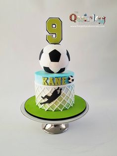Portiere Soccer Cake - The Quirky Cake Society - luka geburtstag - Football Birthday Cake, 7th Birthday Cakes, Soccer Birthday Parties, Soccer Party, Football Soccer, Football Themed Cakes, Football Cakes For Boys, Soccer Cakes, Soccer Ball Cake