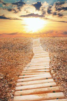 Je levenspad en de kracht van intenties in je leven.  http://www.wanttoknow.nl/inspiratie/het-levenspad-en-de-kracht-van-intenties-in-je-leven/