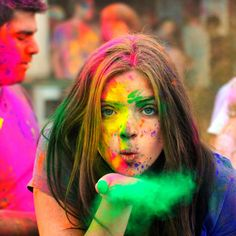 this festival of Holi bring lot of colorful changes in your life!Here are some Happy Holi greetings and Holi photos for you! Holi Images Hd, Happy Holi Images, Hd Images, Holi Wishes Messages, Happy Holi Wishes, Holi Wishes Quotes, Holi Wishes Images, Holi Festival India, Holi Festival Of Colours