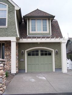 Want j to build the white thing over the garage...